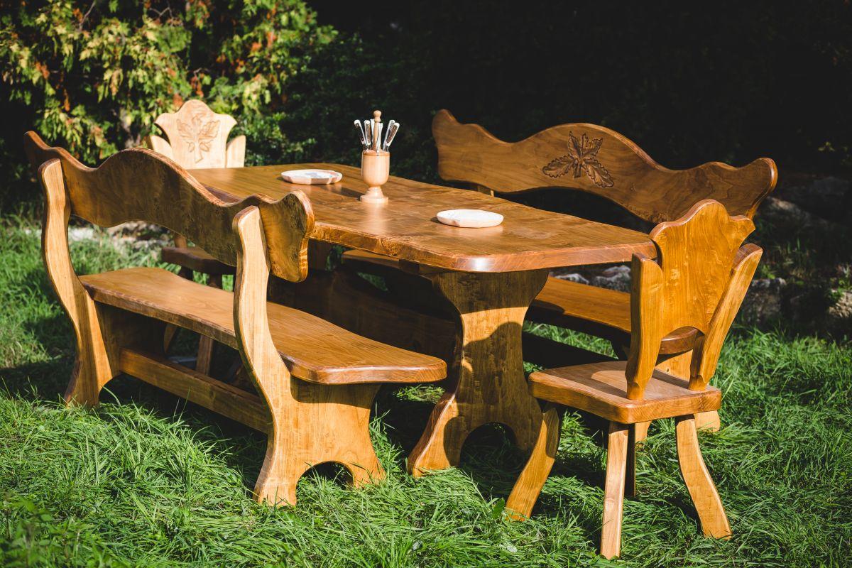 JAGD und WEINKELLER Möbel aus Maserholz
